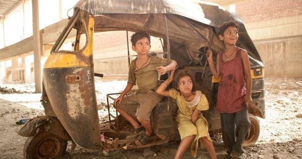 8 Years Later Here S What The Slumdog Millionaire Kids