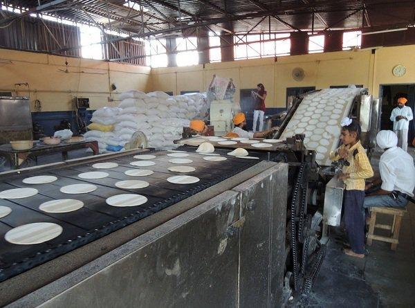 India S Mega Kitchen Akshaya Patra