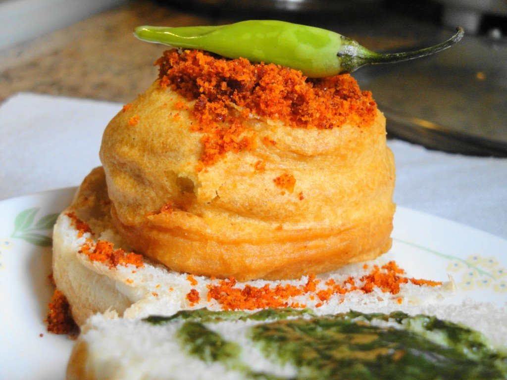 15 Yummy Street Food Of India Everyone Must Try 3
