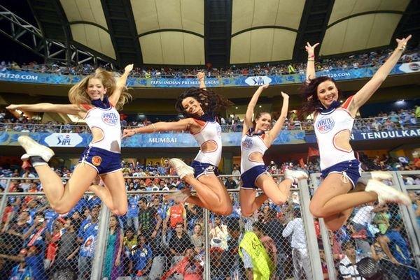 Sex cheerleaders fucking young girls