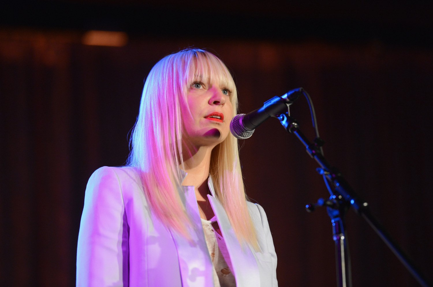 23 songs that prove sia is hands down the best female singer of her 23 songs that prove sia is hands down the best female singer of her generation arubaitofo Image collections