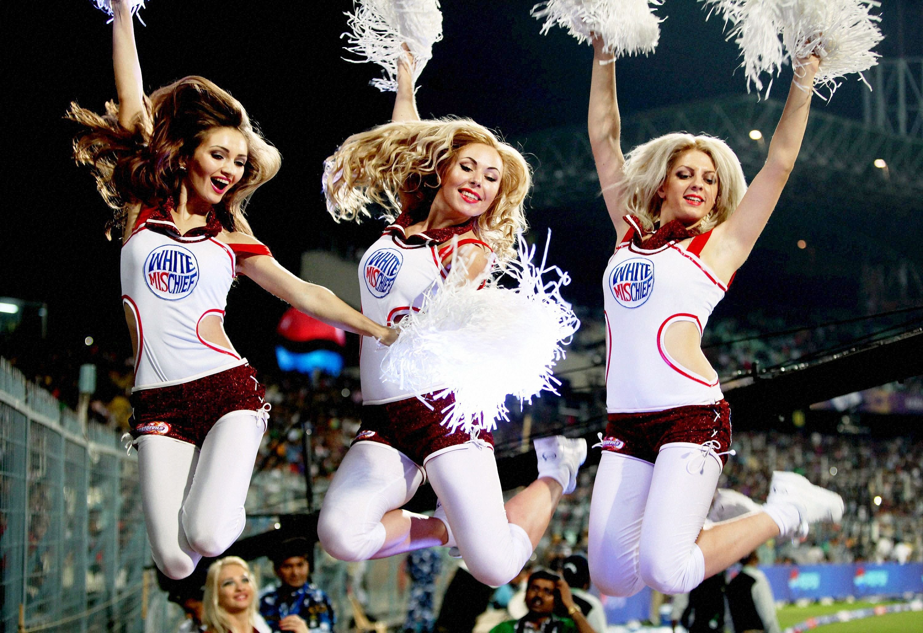 These Ridiculously Sexist Rules From A Cheerleading Handbook Reveal The  Profession's Dark Side