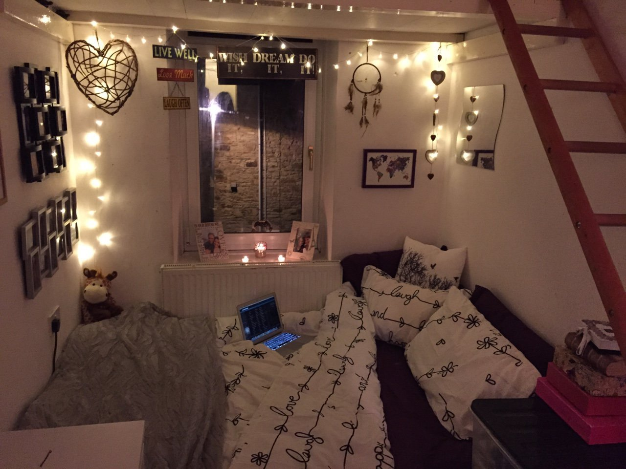 40 pictures that prove fairy lights make the world a for Lights for your room