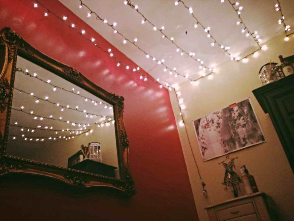 40 Pictures That Prove Fairy Lights Make the World a ...