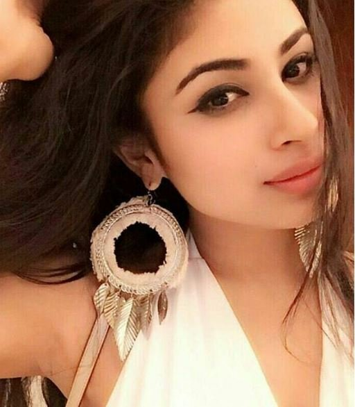 TV Actress, Mouni Roy All Set To Make Her Bollywood Debut