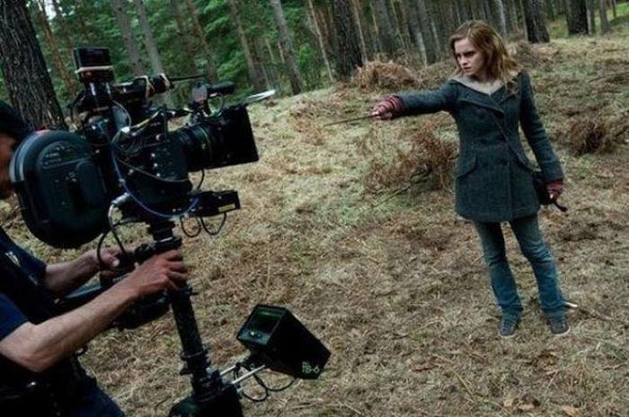 Harry Potter Camera Crew : These behind the scene photos from harry potter sets will take you