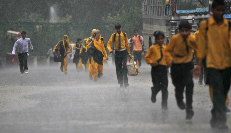 Heat waves reduced, Monsoon sets in Karnataka