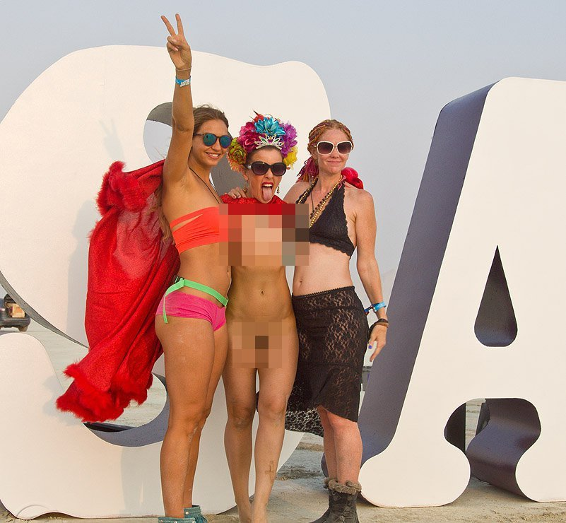 naked girls from burning man