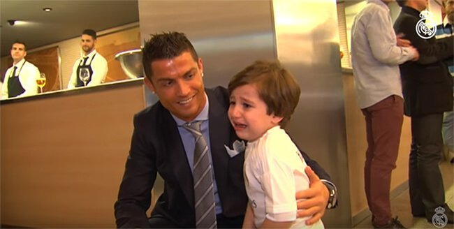 693363cc0 18 Times Cristiano Ronaldo Proved That Humanity Is The Biggest Prize ...