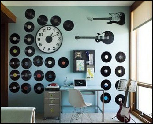 15 Easy Ideas To Decorate That Boring Wall & Revamp Your
