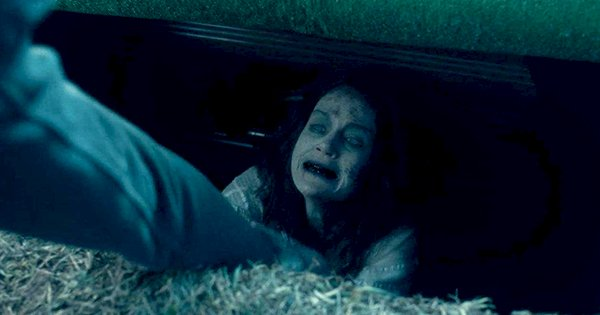 11 scary moments from the haunting of hill house that ll scar you