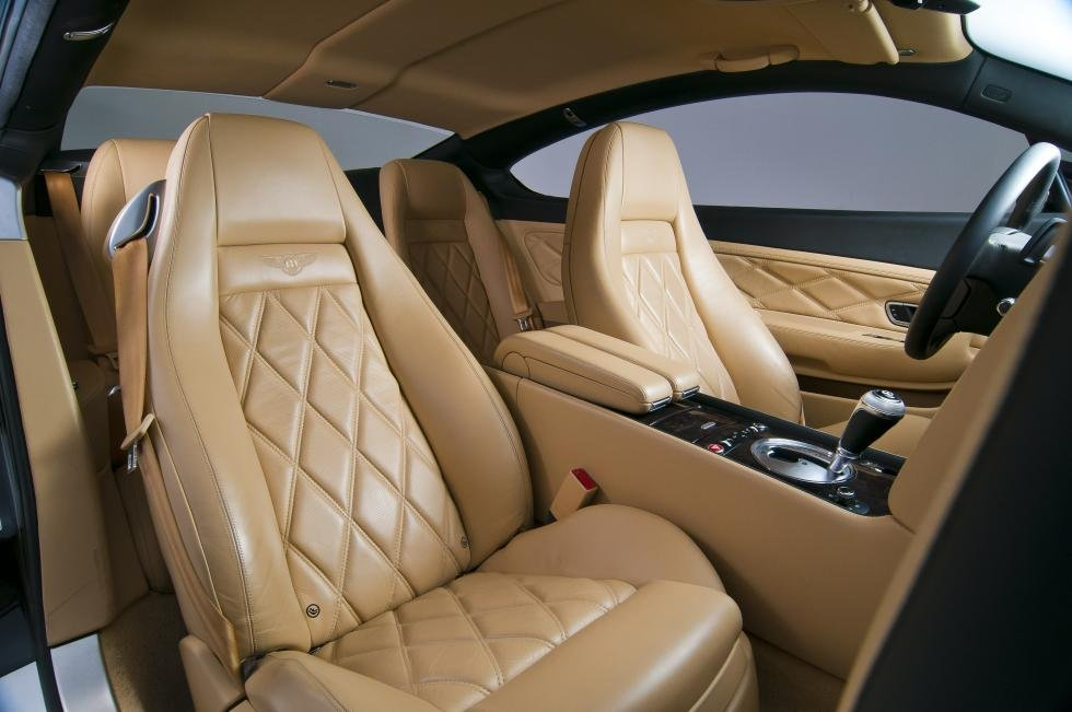 12 Super Cool Luxury Car Features Which Prove That We're Living In