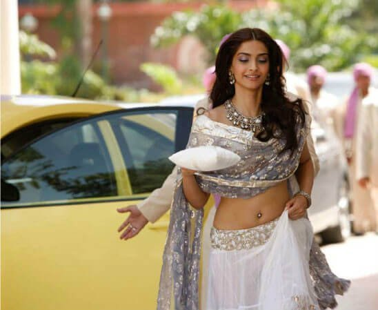 11 Bollywood Lehengas So Beautiful You'll Want to Wear ...