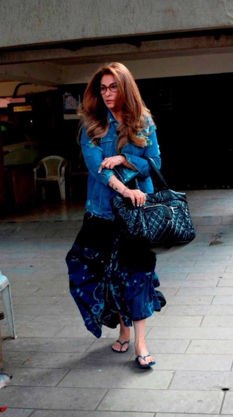 At 11, Dimple Kapadia Stepped Out Of A Salon Like A Hair Flippin