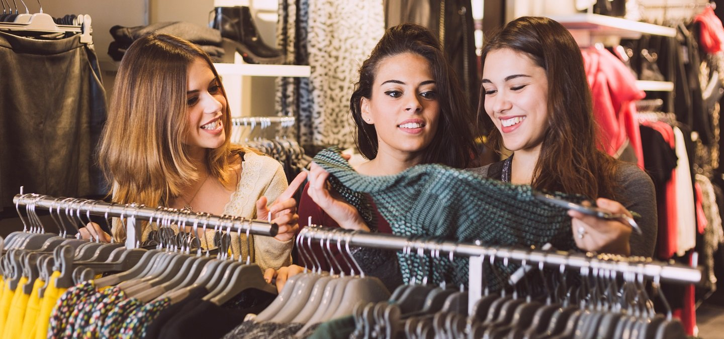 These Girls Are Shoplifting Worth Thousands & Sharing Tips