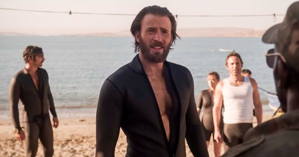 My Ovaries Can't Handle Netflix's Latest 'The Red Sea Diving Resort' Starring Chris Evans & His Beard