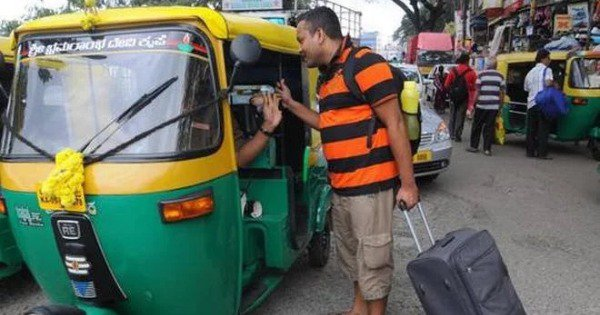 Bengaluru Cops Are Posing As Passengers and Catching Auto Drivers For Charging Higher Fares