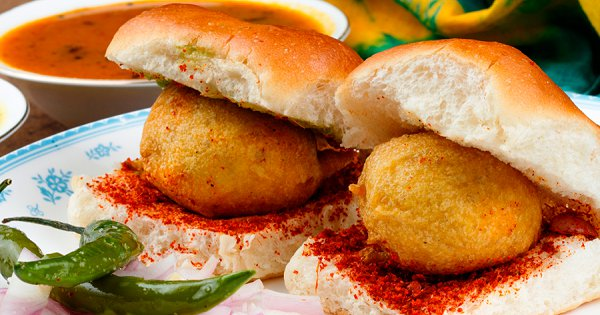 Mumbai's Vada Pav Ranked Among Best Burgers In The World By Michelin Star Chefs. Bantai, Rejoice!