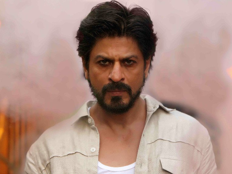 Shah Rukh Khan Was Apparently Going To Work On A Film With Leonardo DiCaprio