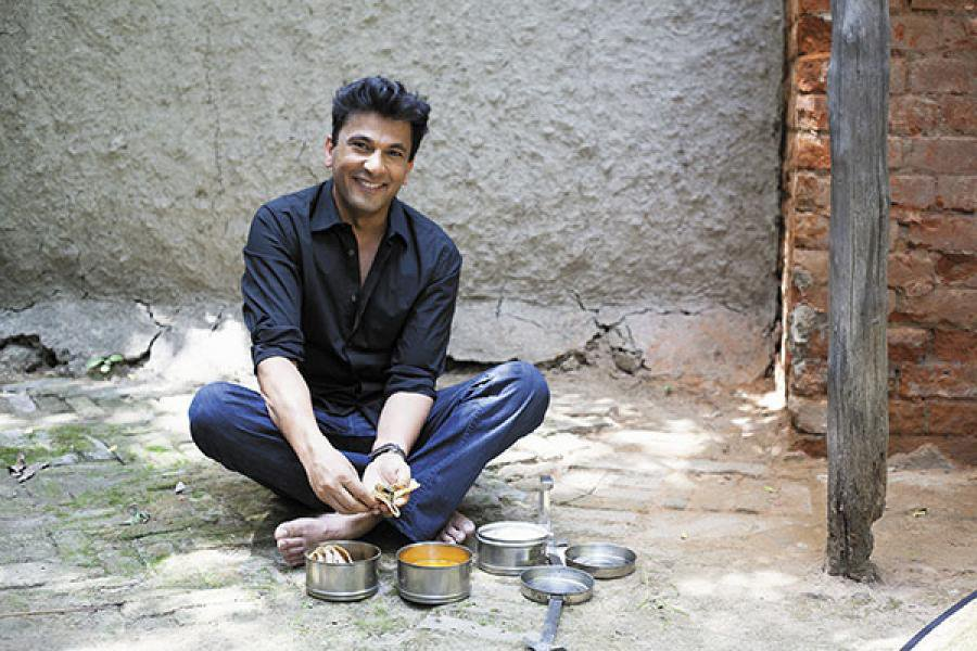 vikas khanna honoured for initiative of feeding millions in india