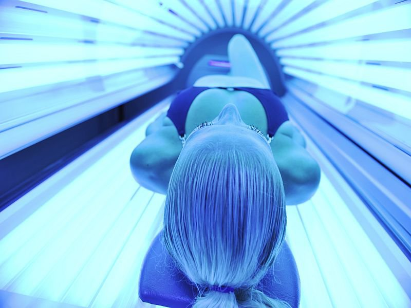 Artificially tanning bodies