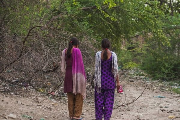 30 Crore Indian Women Still Have To Defecate In The Open -6896