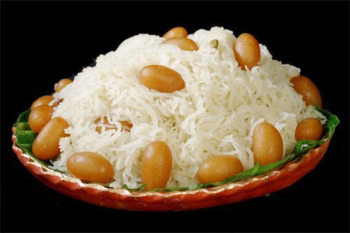 20 bengali sweet dishes you have to try once in your lifetime sita bhog is yet another bangla sweet which has mass appeal all over india this milk based dish resembles rice vermicelli served with small gulab jamuns forumfinder Gallery